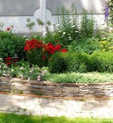 В ландшафтном дизайне свободный сад